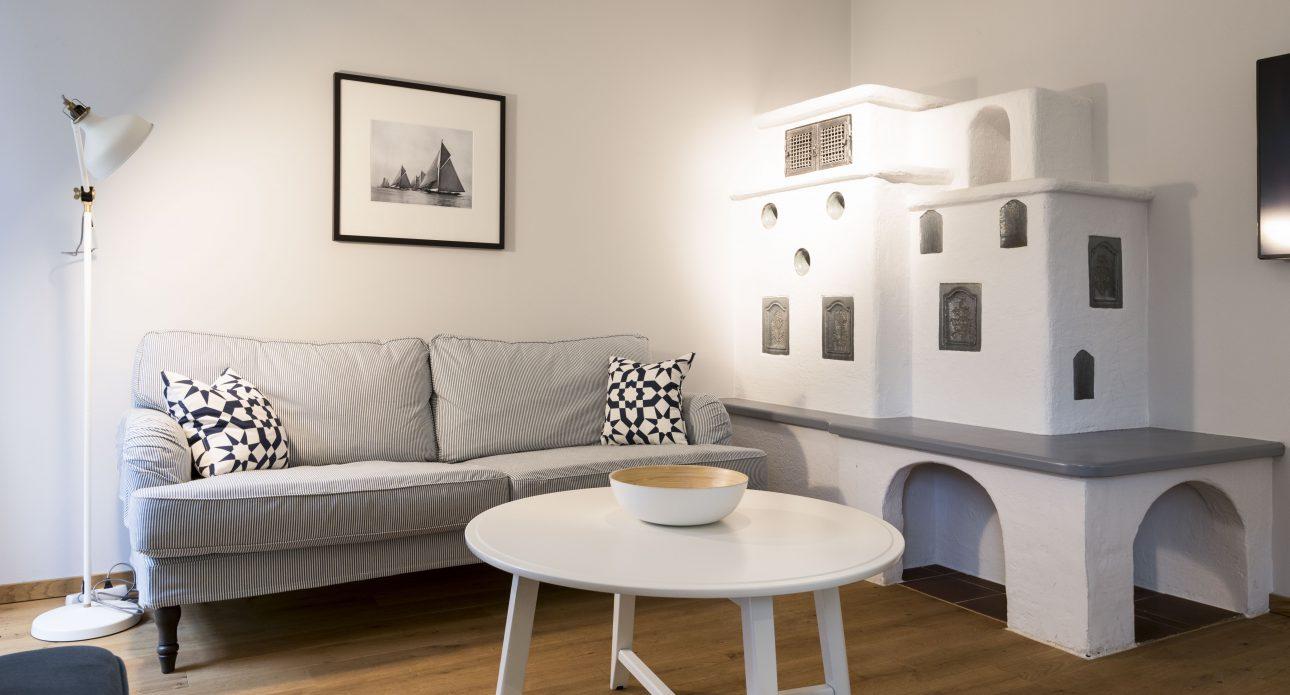(Villa Charlotte). Wohnzimmer in der Villa Charlotte Apartment Attersee