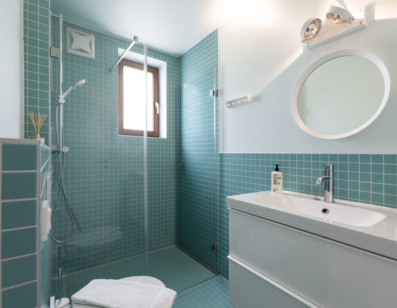 (Villa Charlotte). Badezimmer Villa Charlotte, Apartment Mondsee