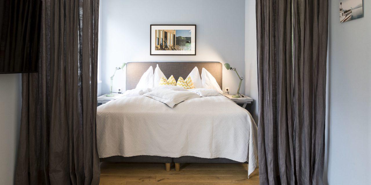 (Villa Charlotte). Heymelige Träume wünschen wir Ihnen im Traunsee Apartment der Villa Charlotte